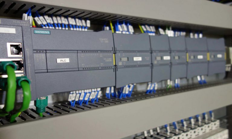 Bộ điều khiển khả trình PLC SIEMENS